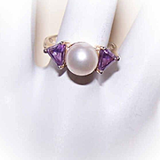 Stunning STERLING SILVER, Cultured Pearl & Amethyst Fashion Ring!