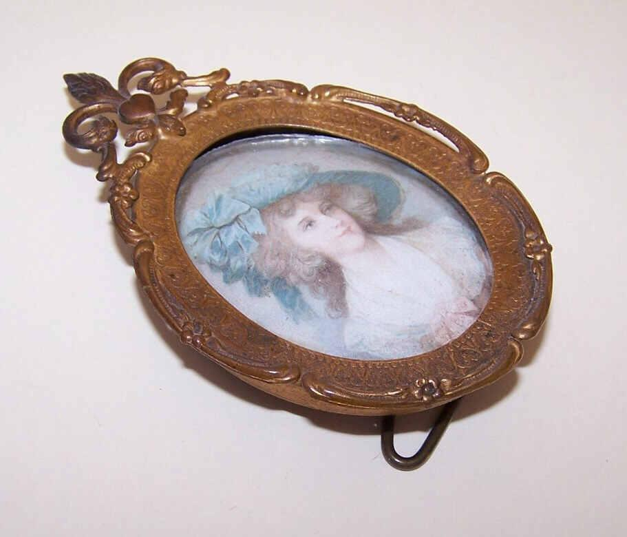 Antique GILT BRASS Metal Frame with Fleur de Lis & Duchess of Devonshire Print!