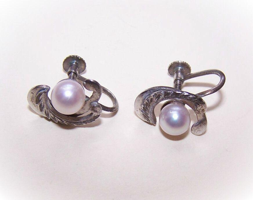 Vintage STERLING SILVER & Cultured Pearl Earrings - Screwbacks!