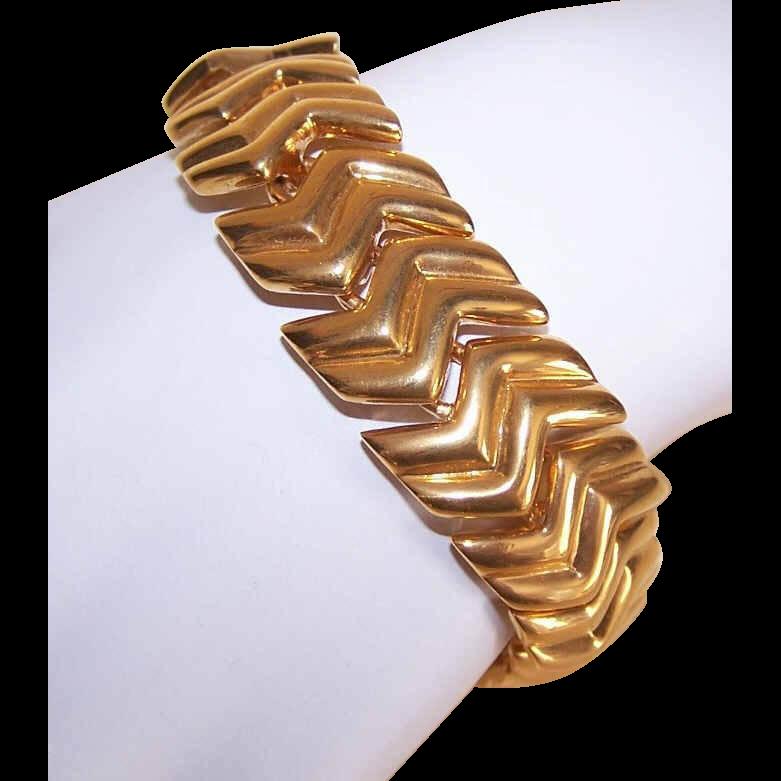 "Vintage NAPIER Gold Tone ""Slinky Link"" Bracelet!"