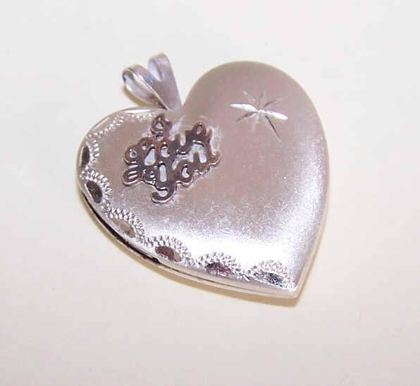 Vintage STERLING SILVER Heart Locket - I Love You!
