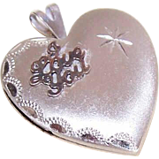 Vintage STERLING SILVER Heart Locket - I Love You!
