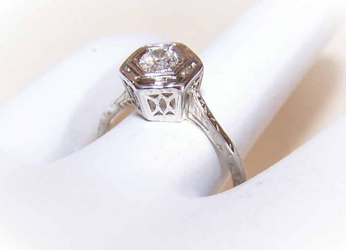 ART DECO 18K Gold & .25CT Diamond Filigree Engagement Ring!