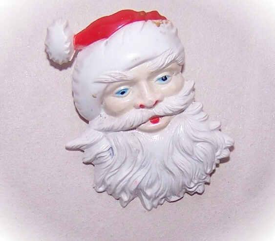 C.1970 Hard Plastic SANTA CLAUS Pin/Christmas Pin!