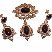 C.1968 English VICTORIAN REVIVAL 9K Gold & 24CT TW Bohemian Garnet Pin, Pendant & Earrings!