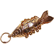 Vintage GOLD TONE Metal Articulated Gold Fish/GoldFish Charm or Pendant!