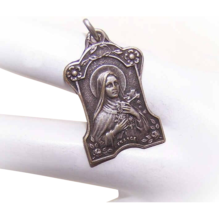 Vintage FRENCH SILVERPLATE Medal/Pendant - Saint Therese * St Thérèse of Lisieux!