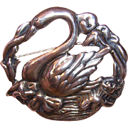 Lovely 1950s STERLING SILVER Pin/Brooch - Swan in Lake!
