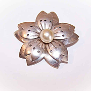 RETRO MODERN Sterling Silver & Cultured Pearl Pin - Made in Mexico!