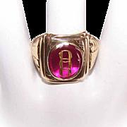 Vintage GENTS 10K Gold & Glass Intaglio Ring - Odd Fellows!