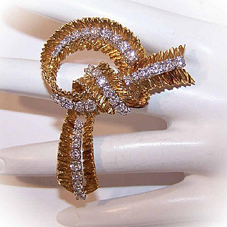 Awesome FRENCH 18K Gold & 2.05CT TW Diamond RETRO MODERN Tied Ribbon Brooch!