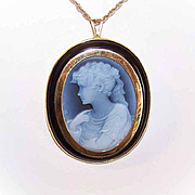 Vintage ITALIAN Laser Cut Cameo in 18K Gold Pin/Pendant Setting!