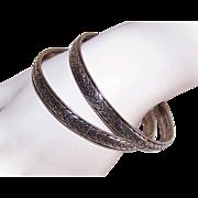Pair of VINTAGE Sterling Silver Bangle Bracelets - Round with Laurel Leaf Design!