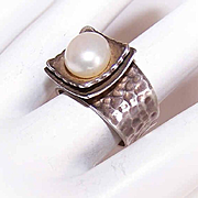 Vintage STERLING SILVER & Freshwater Pearl Ring!