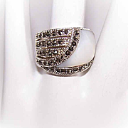 Vintage STERLING SILVER, Mother of Pearl & Marcasite Fashion Ring!