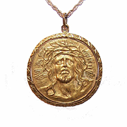 Vintage GOLD TONE Metal Pendant or Medal - Jesus Christ with Wreath of Thorns (Ecce Homo)!