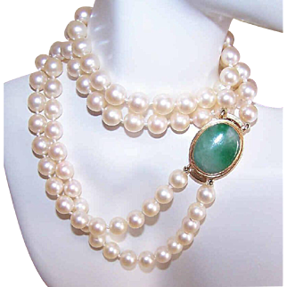 Vintage 7mm Cultured Pearl DOUBLE STRAND Necklace with 18K Gold & Jade Clasp!