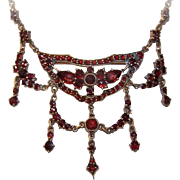 ANTIQUE VICTORIAN Bohemian Garnet Necklace - Made in Czechoslovakia