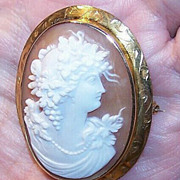ANTIQUE EDWARDIAN 10K Gold & Cornelian Shell Cameo Pin/Brooch!
