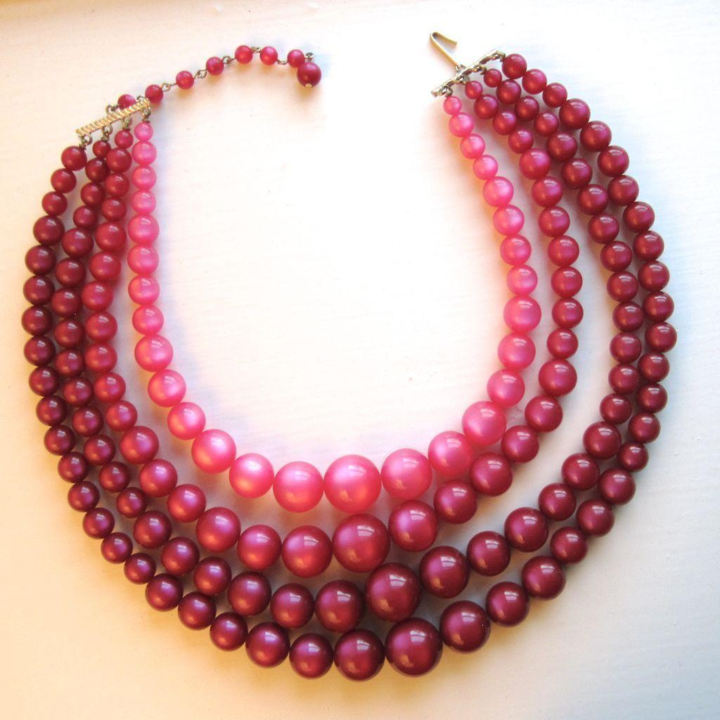 1960s Moonglow Lucite Necklace Reds ad Pinks