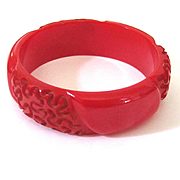 Red Squiggle Carved Bakelite Bangle Bracelet