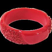 Red Squiggle Carved Bakelite Bangle Bracelet