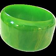 Kelly Green Marbled Wide Bakelite Bangle Bracelet