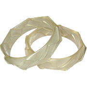 Pair of Matched Vintage Lucite Bangle Bracelet