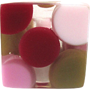 Mod Vintage Lucite Ring with Red and Pink Dot Inclusions Size 5.5