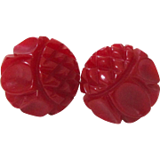 Red Daisy Carved Bakelite Screw-back Earrings