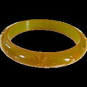 Marbled Yellow-Green Carved Bakelite Bangle Bracelet
