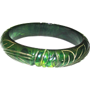 "Carved Emerald Green Marbled ""ink Spot"" Bakelite Bangle Bracelet"
