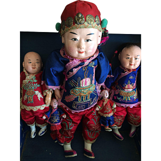 5 Vintage Chinese dolls in a Chinese box