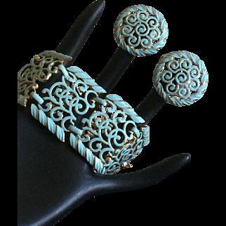 Vintage goldtone and pastel blue enameled bracelet and clip on earring set