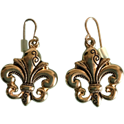 Vintage goldtone fluer de lis dangle earrings