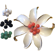 Vintage Kramer flower brooch with interchangeable centers