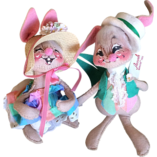 Vintage Annalee Mr and Mrs Easter bunny dolls