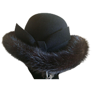 Vintage Black wool hat trimmed in black mink
