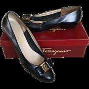 Salvatore Ferragamo Vintage Ladies Classic Black Leather Logo Flats Size 9 1/2 AAAA