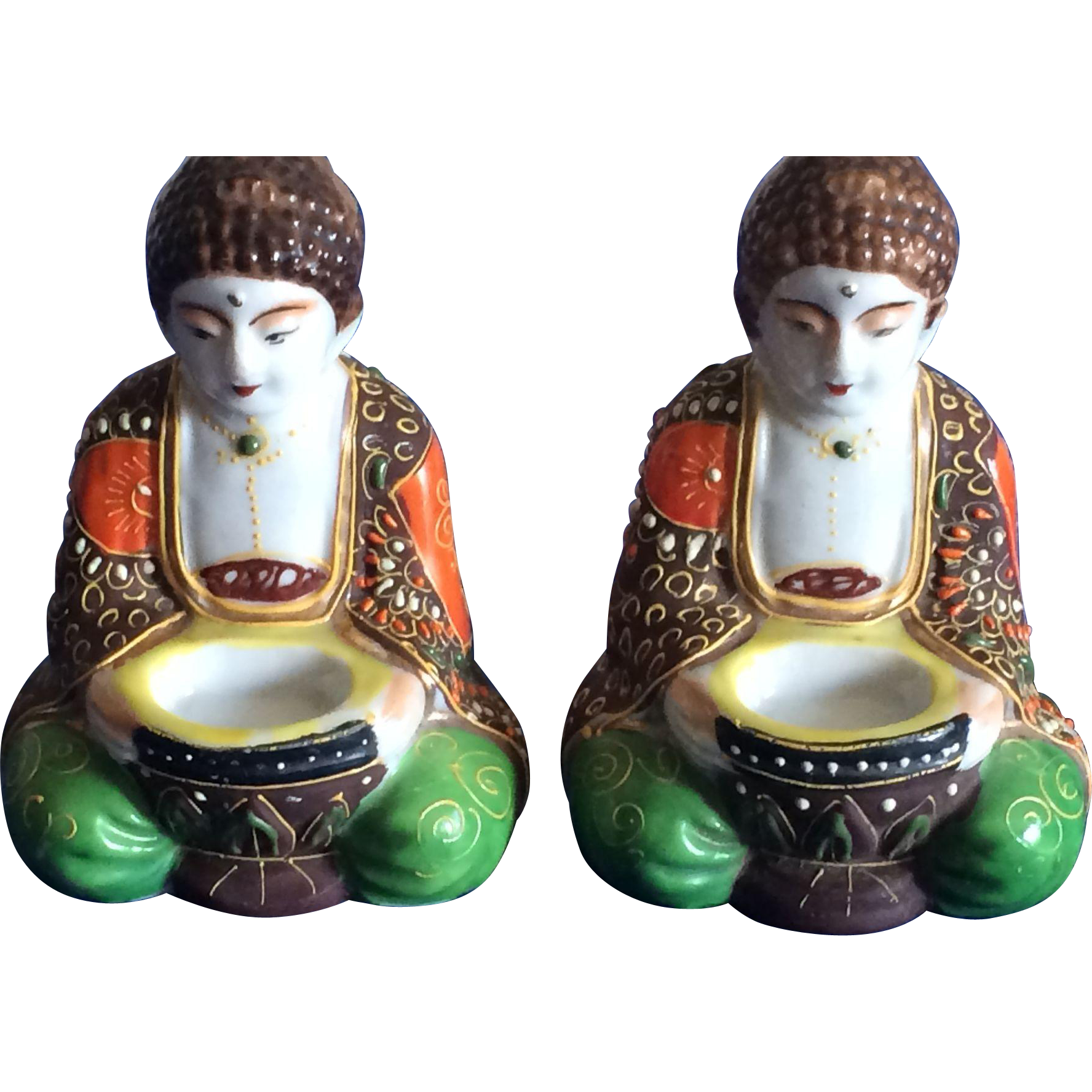 Pair of Japanese moriage miniature Buddhas