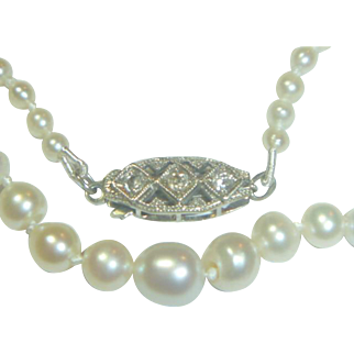 Vintage Art Deco Natural Saltwater Pearl Necklace