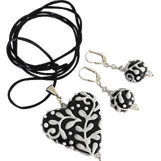 Italian Moretti Glass, Artisan Lampwork Heart Focal Pendant Necklace and Earrings - Wearable Art !