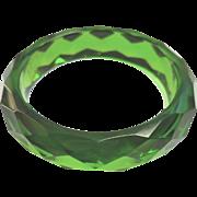 Green Prystal faceted bakelite bangle.