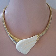 1970s Modernist Trifari Cream Lucite Necklace ~ NWT