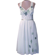 Vintage Green Nightgown With Embroidered Leaves