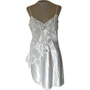 Vintage Short White Natori Nightgown with Lace, Embroidery and Appliques