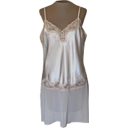 Valerie Stevens Short Cream Nightgown with Ecru Lace