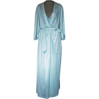 Vintage Light Green Matching Nightgown and Robe with Pretty Lace