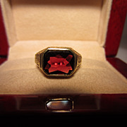 Garnet and Engraved 14k Ring