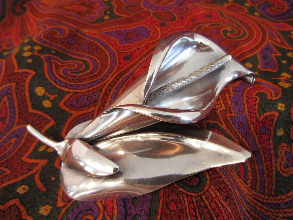Sterling Silver Calla Lily Brooch by Los Castillo